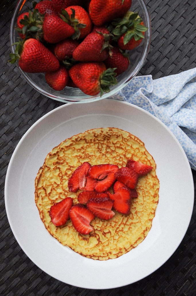 Einkorn French Crepes with Strawberries