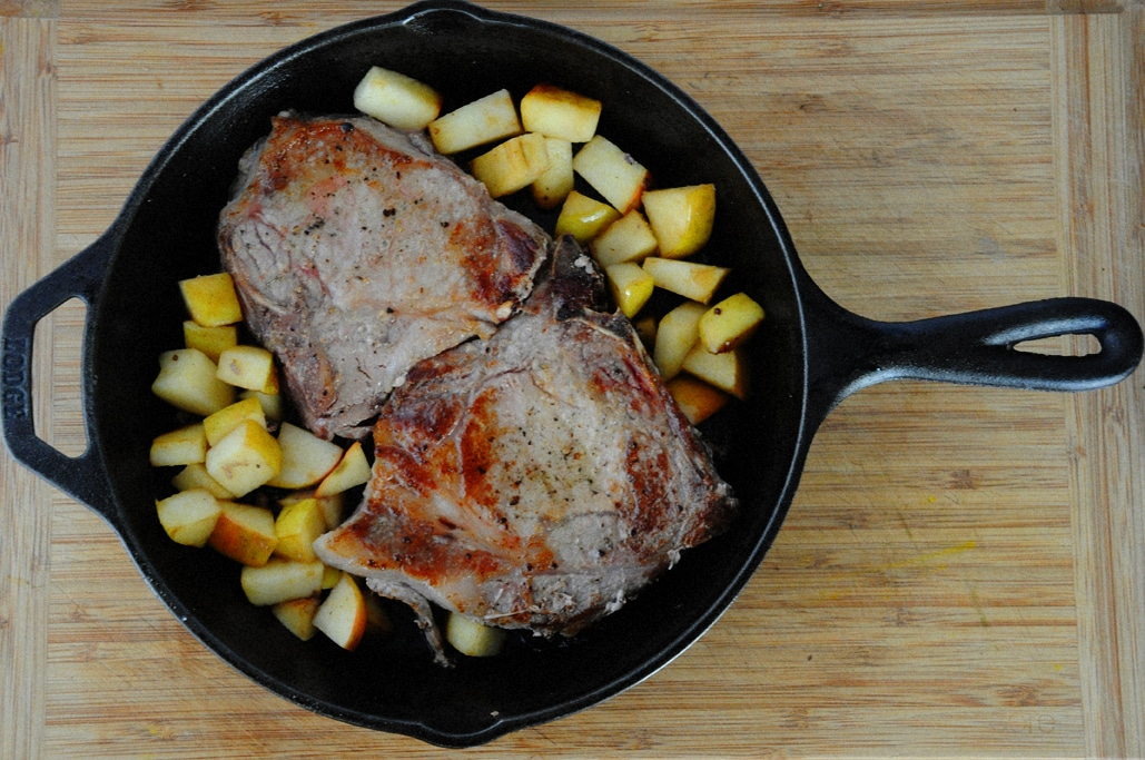 Pork Chops with Apples and White Wine