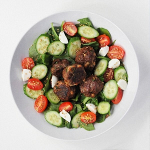 Lebanese Meatball with Spinach Salad for dinner during the week is quick and easy. You can make it in advance and warm up the Lebanese Meatball when your ready to eat. The best part about this meal is how good it taste even if it is low in calories.