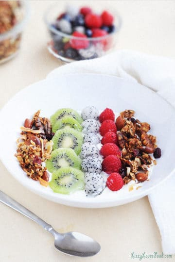 Low-Carb Coconut Granola Recipe (Vegan)
