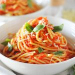 tomato sauce with spaghetti